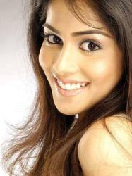 Genelia D'Souza Latest News, Videos, Pictures
