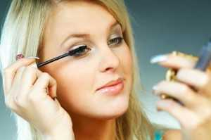 women 3 minutes makeup tips