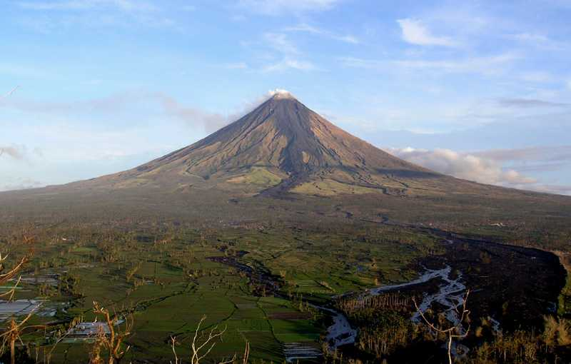 Mt. Mayon, Mayon Volcano in Albay, Phillepines