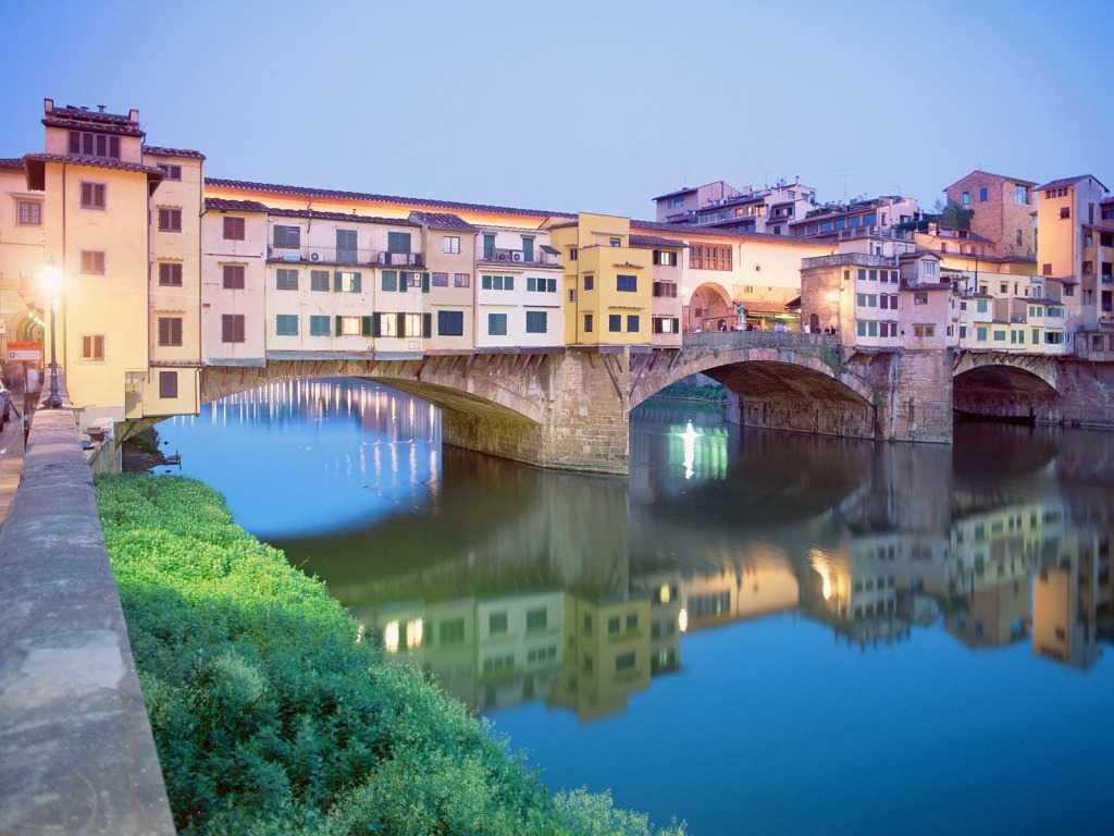 Ponte Vecchio Bride, Italy
