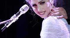 Lady-Gaga-Hairstyles-gallery-8