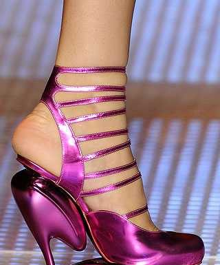 john-galliano-crazy-platform-shoes