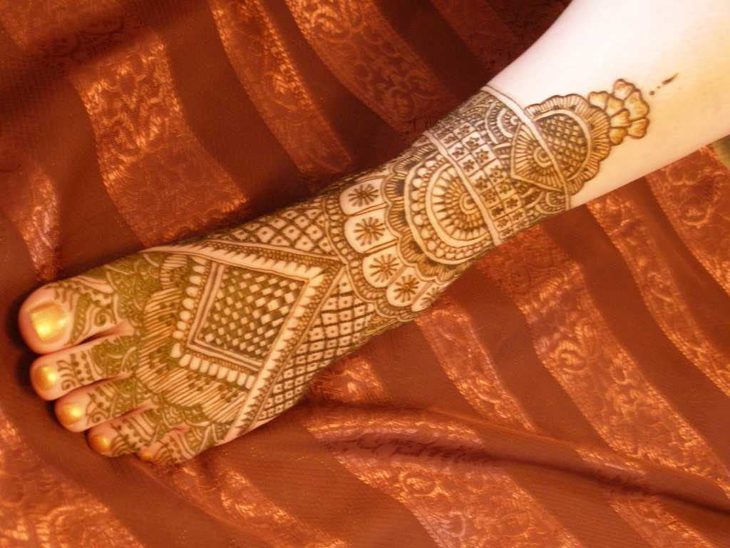 Bridal Mehndi On Foot : Bridal mehndi designs for feet