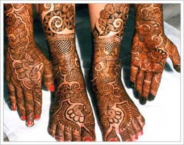 Top indian mehndi designs for feet henna