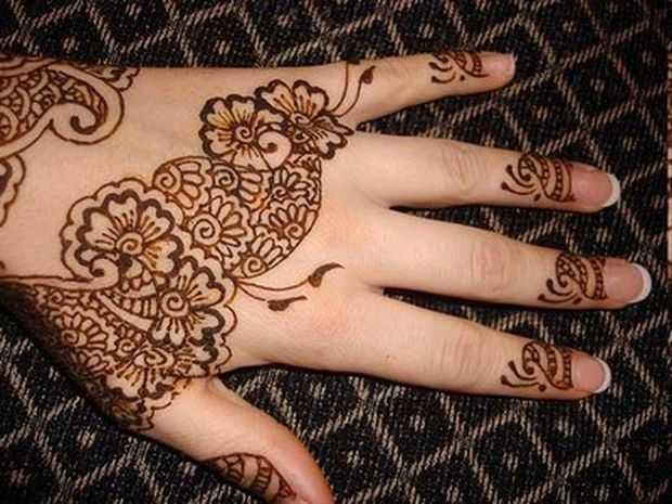 Stylish Arabic Floral Mehndi Designs