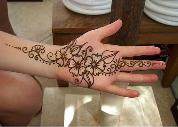 Latest Flower Mehndi Design : Stylish arabic floral mehndi designs henna