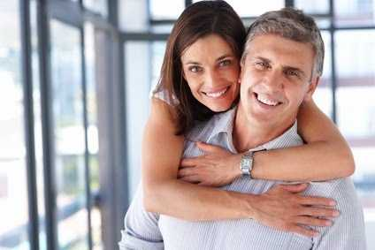 Advantages and disadvantages of dating older men