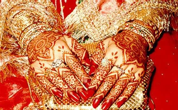 traditional -bridal -mehndi-deisgns-7