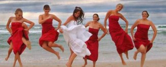 bridal-dress-with-bridesmaids