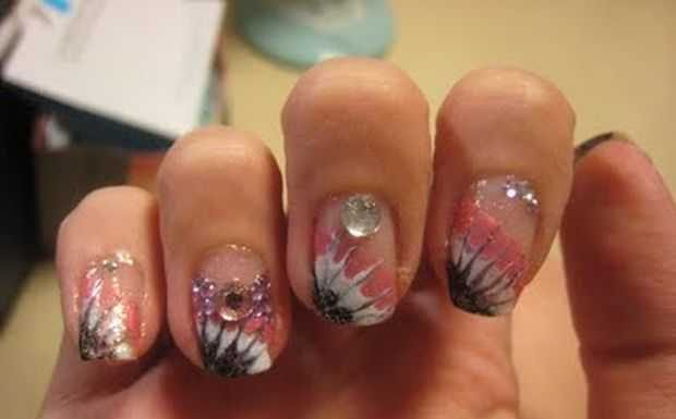 Nail-Art designs with -Rhinestones-1