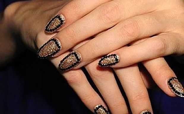 Nail-Art designs with -Rhinestones-12