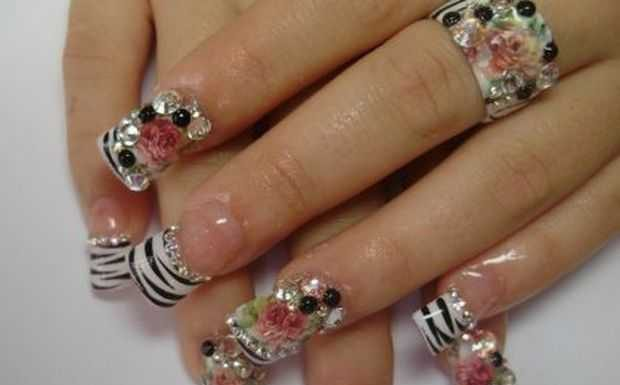 Nail-Art designs with -Rhinestones-2