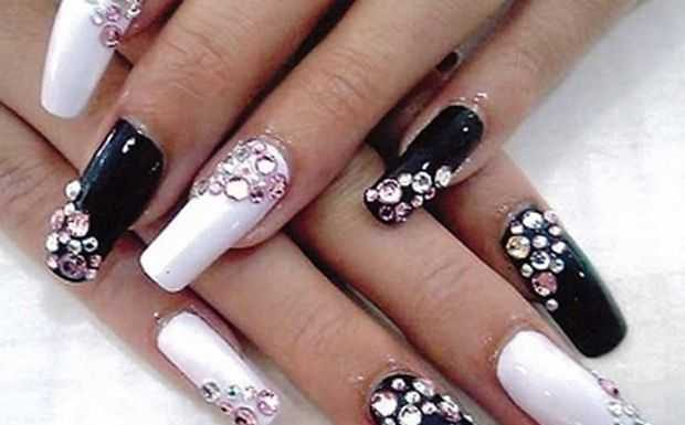 Nail-Art designs with -Rhinestones-4
