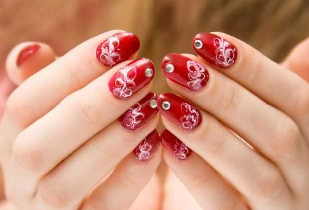 Stylish Nail Art Designs With Trendy Rhinestones