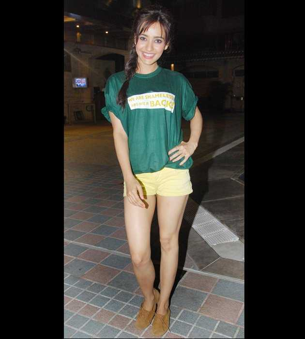 celebrities in short skirts celebrities in micro fashion