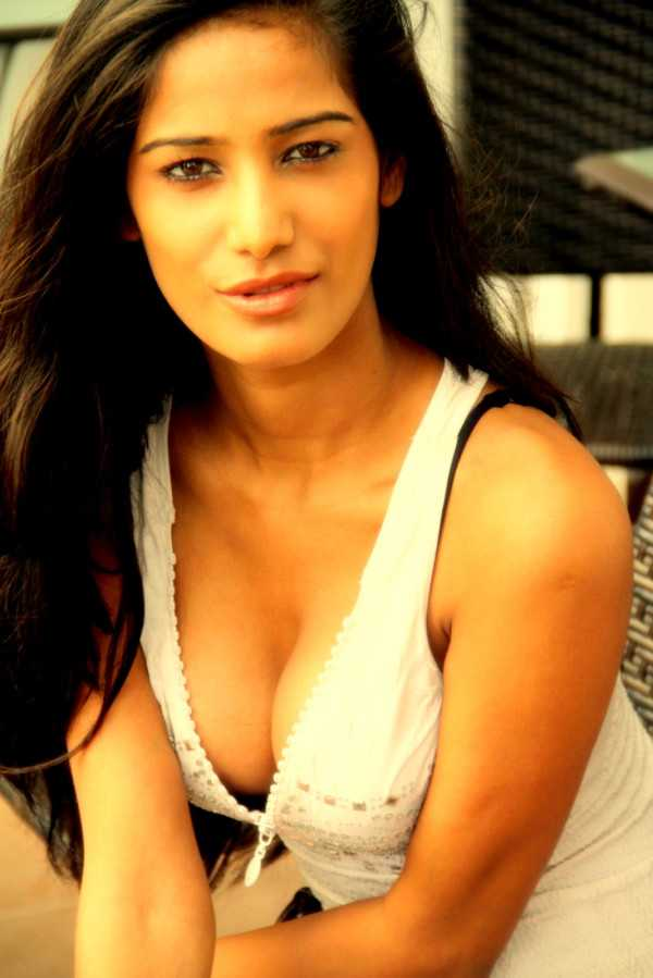 Poonam Pandey Photos Hot Poonam Pandey Photo Gallery