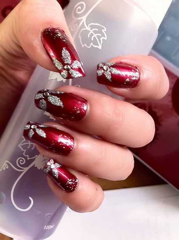 Red Valentine Nail Art 3