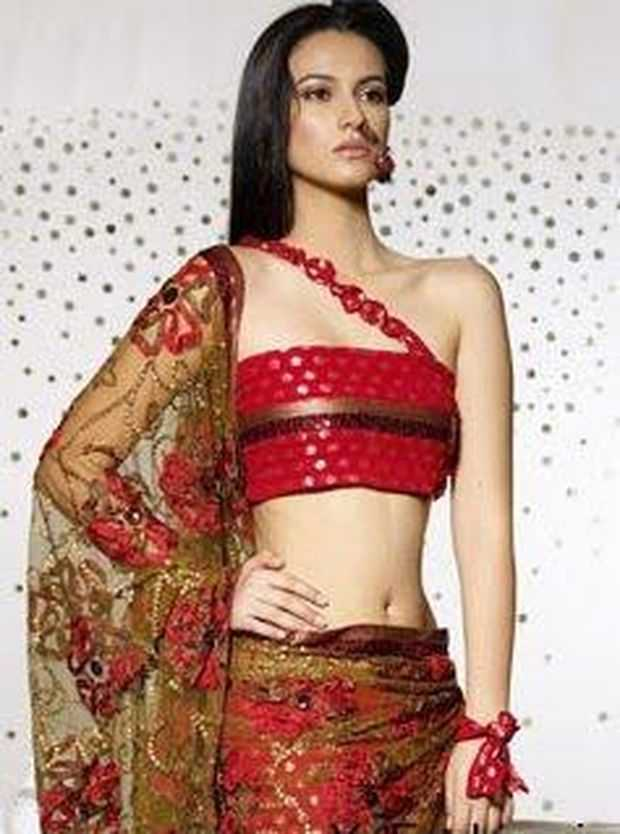 latest-saree-blouse-pattern-13