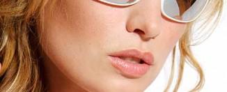 designer-sunglasses-model