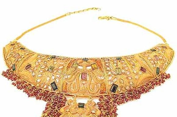 antique-indian-bridal-jewellery-designs-3