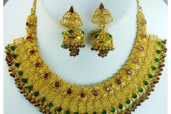 antique-indian-bridal-jewellery-designs-9