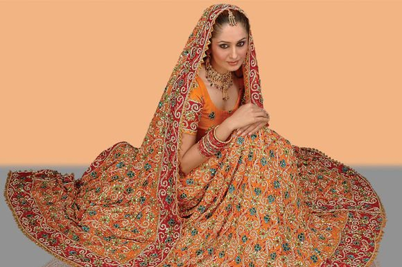 Latest-indian-Bridal-Wear-Collections-2012-4