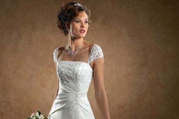 Stylish-Wedding-Gowns-weddimg-dress-6