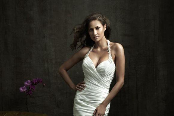Stylish-Wedding-Gowns-weddimg-dress-9