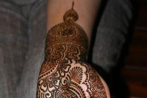arabic-hand-mehndi-designs-for-durgapuja-3