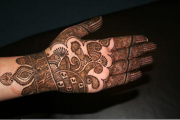 arabic-hand-mehndi-designs-for-durgapuja