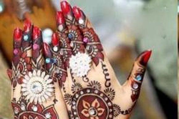 mehndi-designs-with- stones