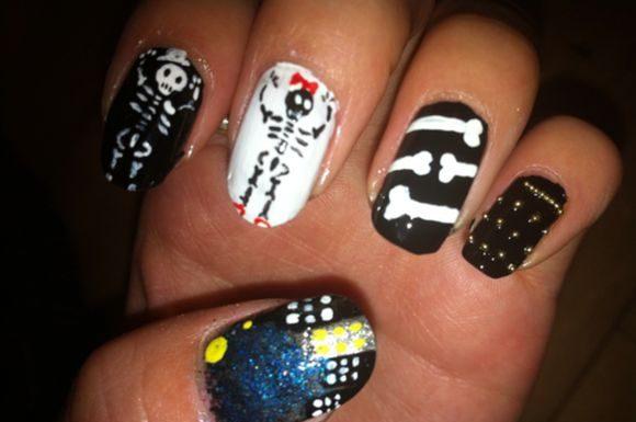 skeleton-nail-art-10