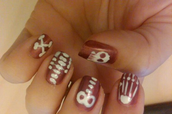 skeleton-nail-art-5