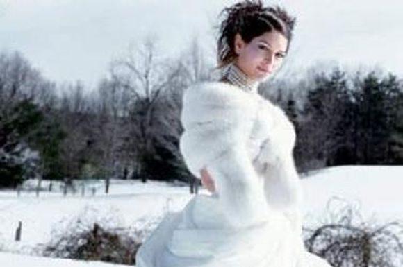 winter-wedding-gowns-4