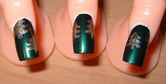 christmass-tree-nail-art-7