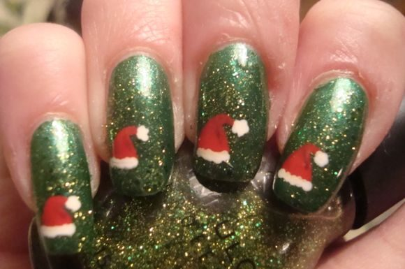 santa-hat-chriatmass-nail-art-4