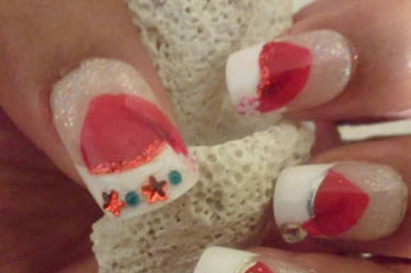 santa-hat-chriatmass-nail-art-5