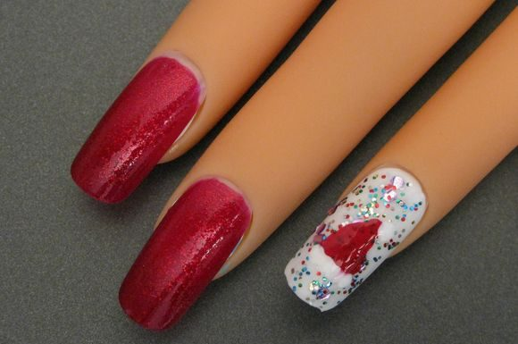santa-hat-chriatmass-nail-art-7