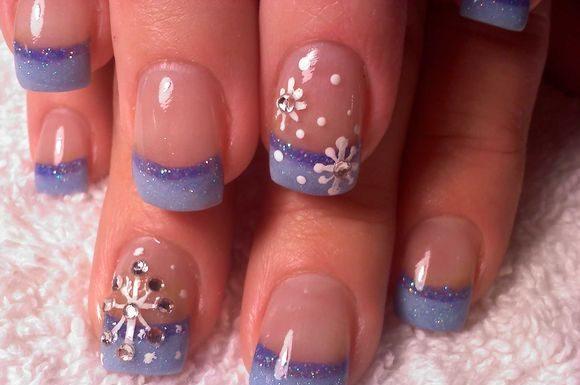 snowflakes-nail-art-ideas-3