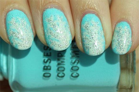 snowflakes-nail-art-ideas-4