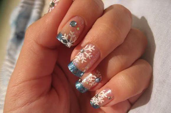 snowflakes-nail-art-ideas