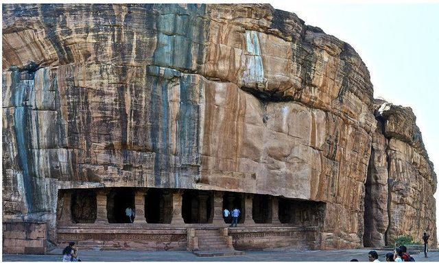 Badami cave Temple in karnataka