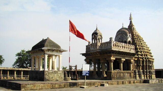 Chausath Yogini 64 Yogini Temple, Bheraghat, Jabalpur