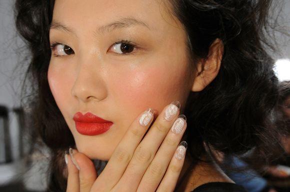 fashion-week-nail-art-2