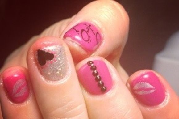 valentine-day-nail-art-2013-8