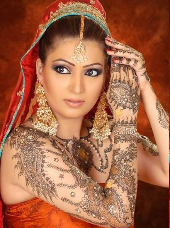 New Wedding Mehndi Designs Fashion 2013 For Women
