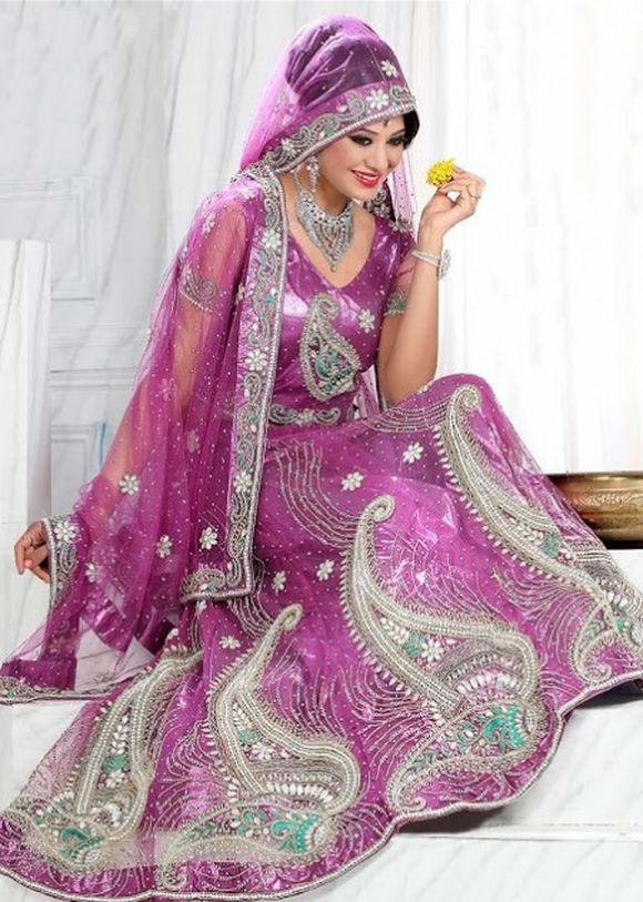 Latest-Indian-Bridal--Lehnga-Choli-Designs-2013-3