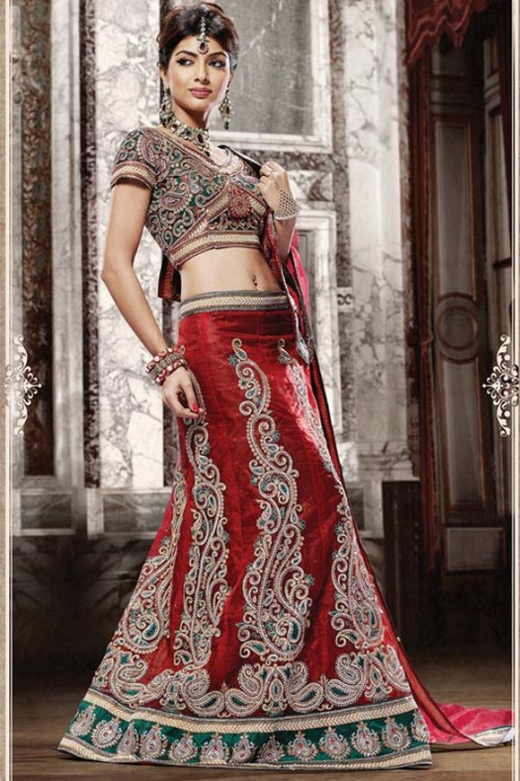 Latest-Indian-Bridal--Lehnga-Choli-Designs-2013-4