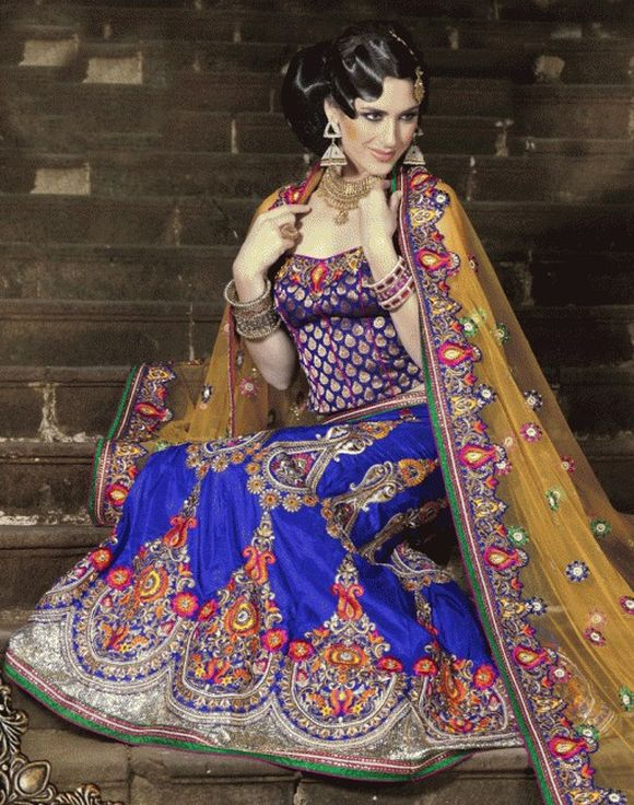 Latest-Indian-Bridal--Lehnga-Choli-Designs-2013-8