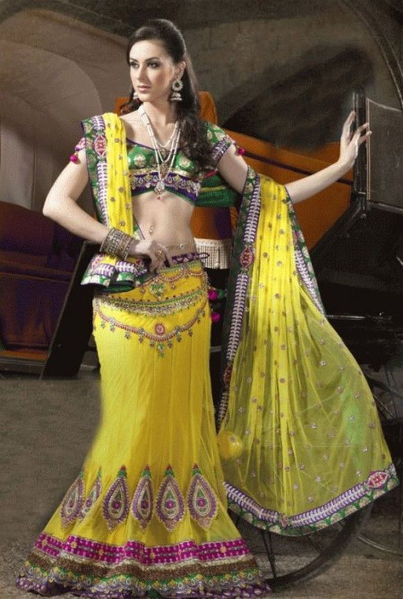 Latest-Indian-Bridal--Lehnga-Choli-Designs-2013-9